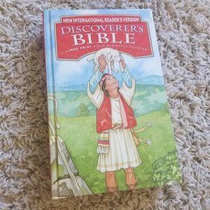 NWOT DISCOVERER'S BIBLE 🖤